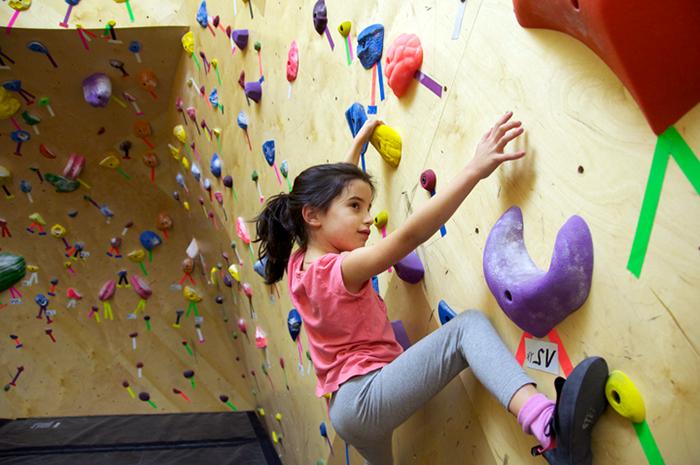 ella-climbing
