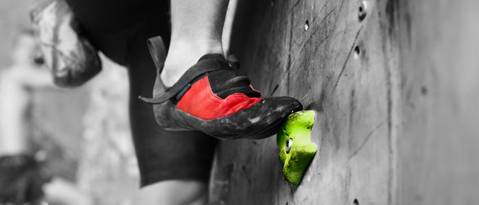 header aprender a usar bien los pies en la escalada