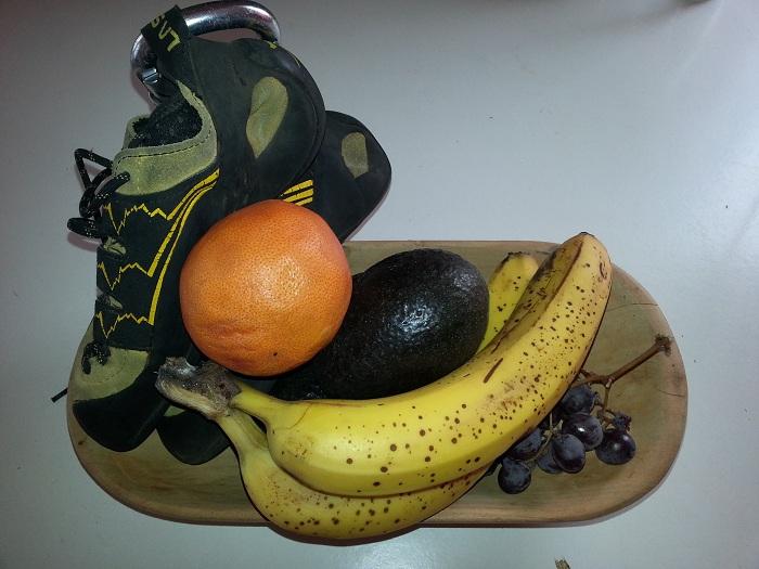 frutero y zapatillas
