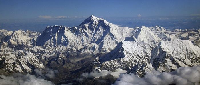 Mount-Everest-HD-Photo-Wallpaper