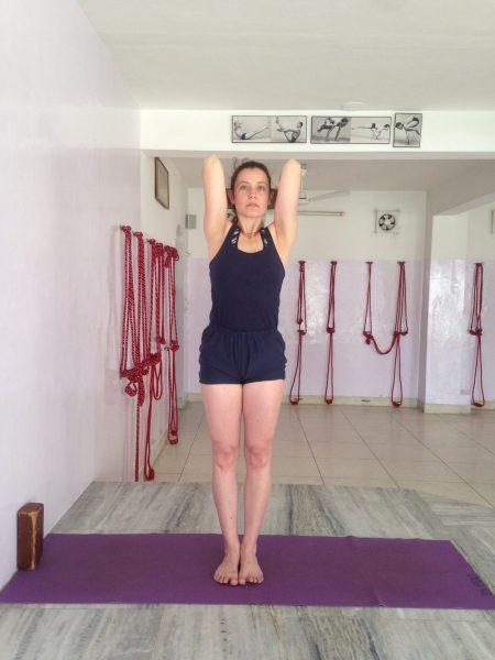 Posturas De Yoga Enfocadas A Contrarrestar Los Males Del